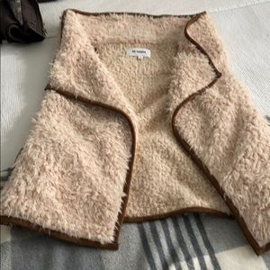 BB Dakota furry vest